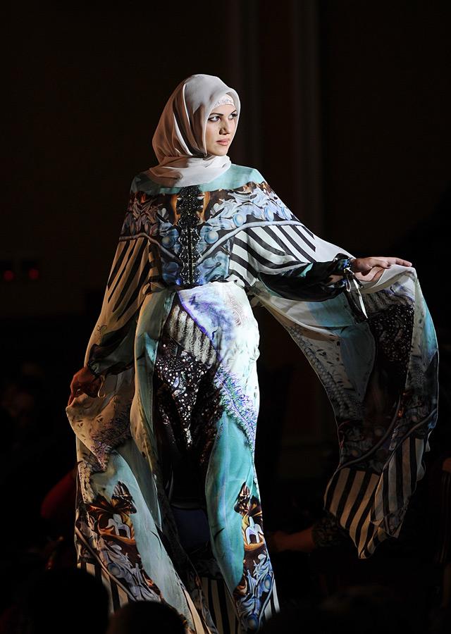 Одежда мусульманского дома моды Firdaws