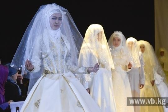Свадебные платья для никяха на показе моды