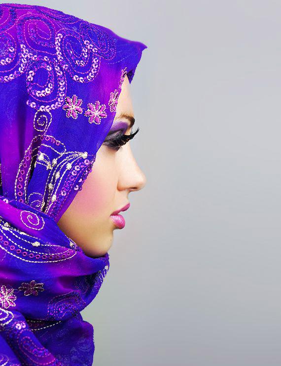 мусульманка смотрит