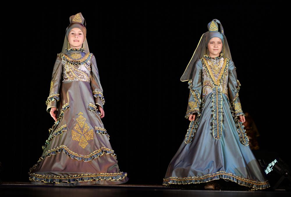 Национальная современная детская одежда для мусульман