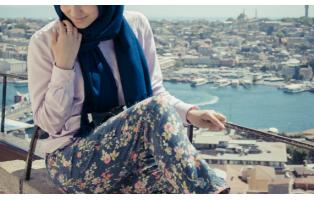 Можно ли мусульманке носить брюки?