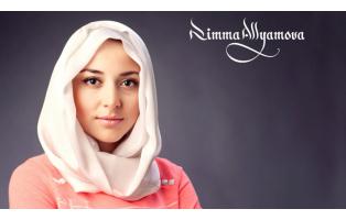 Показ мусульманской одежды от Rimma Allyamova